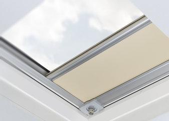 Binnen-zonwering voor lichtkoepels